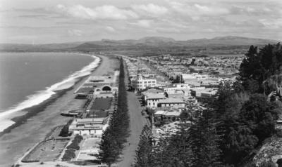 Panorama of Marine Parade, Napier