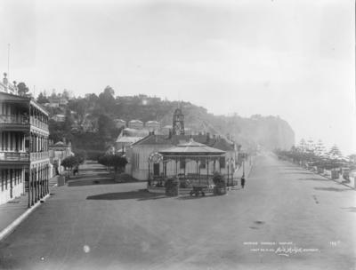 Herschell Street and Marine Parade, Napier