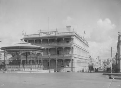 Masonic Hotel, Marine Parade, Napier