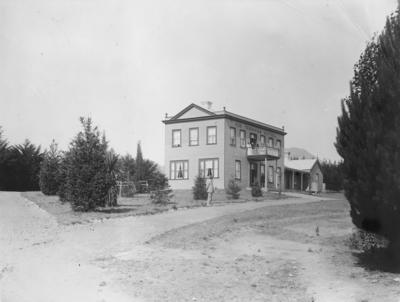 Terraces Hotel, Taupo; Duncan, Russell