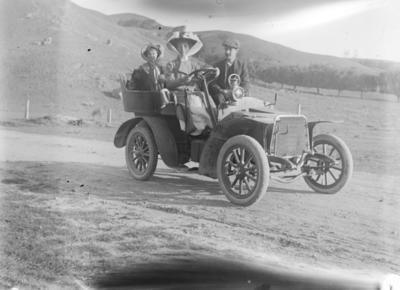 People in motor vehicle, Waipukurau