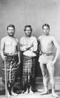 Portrait of three unidentified Māori men