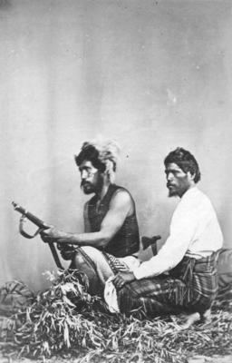 Portrait of two unidentified Māori men