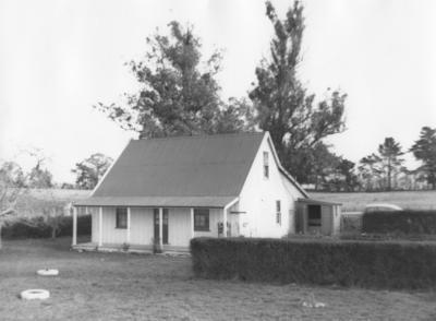 Glenny Cottage, Onga Onga