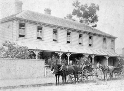 Dr Frederick De Lisle, Tennyson Street, Napier; Sorrell, Charles Hudson Cunningham