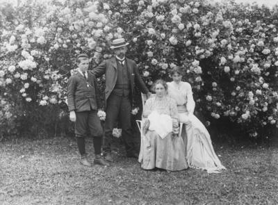 Group portrait, Kinross White family