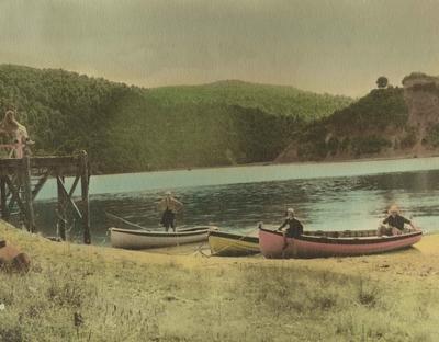 Boat landing, Lake Waikaremoana