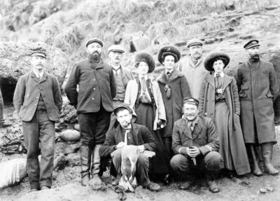 Antipodes Island, Group of People