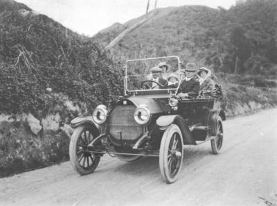 Motor car on road to Tangoio Falls