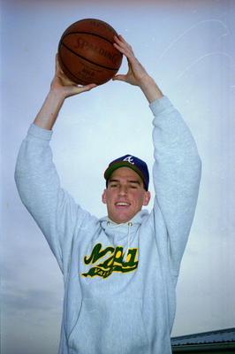 Basketball, Dave Finlayson Flies High