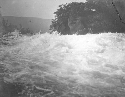 The Outlet, Lake Waikaremoana