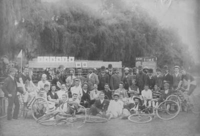 Group portrait, Wanderers' Bicycle Club