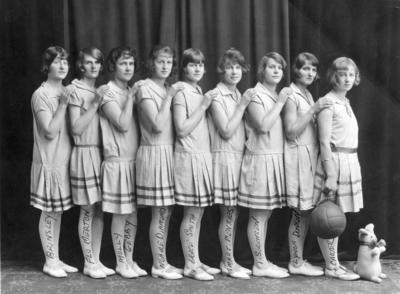 Roach's Basketball Team; Poll, Wallace